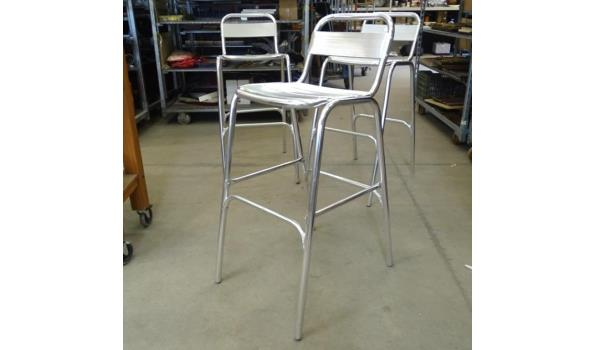 3 lichtgewicht stapelbare aluminium barstoelen